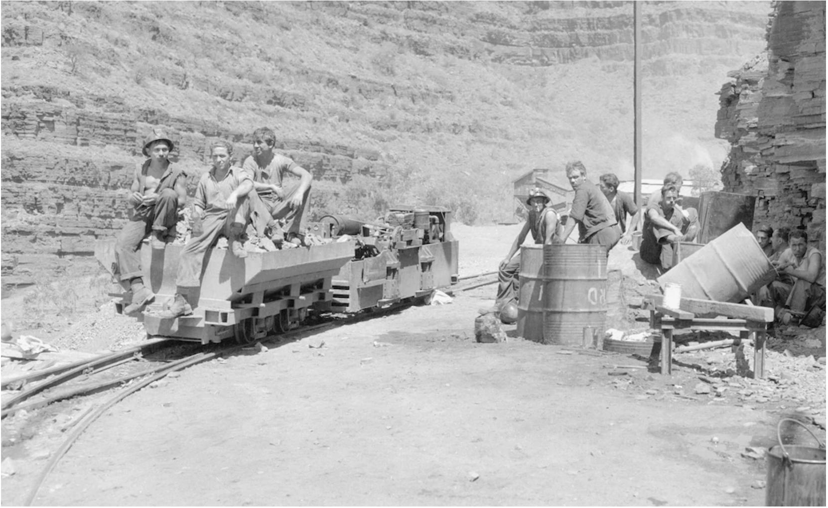 Australian asbestos miners mining blue asbestos in Wittenoom gorge, circa 1950.