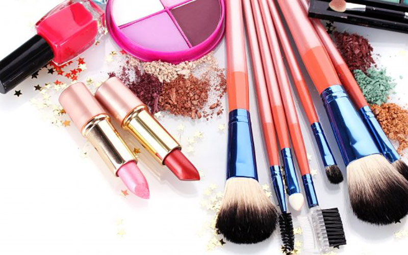 Asbestos Found In Make-Up Products