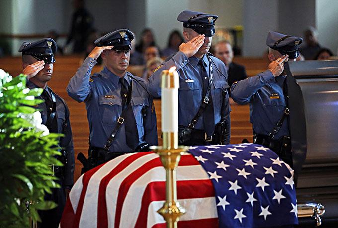 Dallas_Police_visitation_pool_photo.jpg