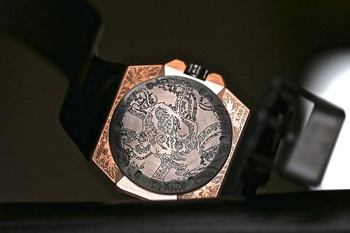 Linde Werdelin Oktopus II Moon Tattoo watch