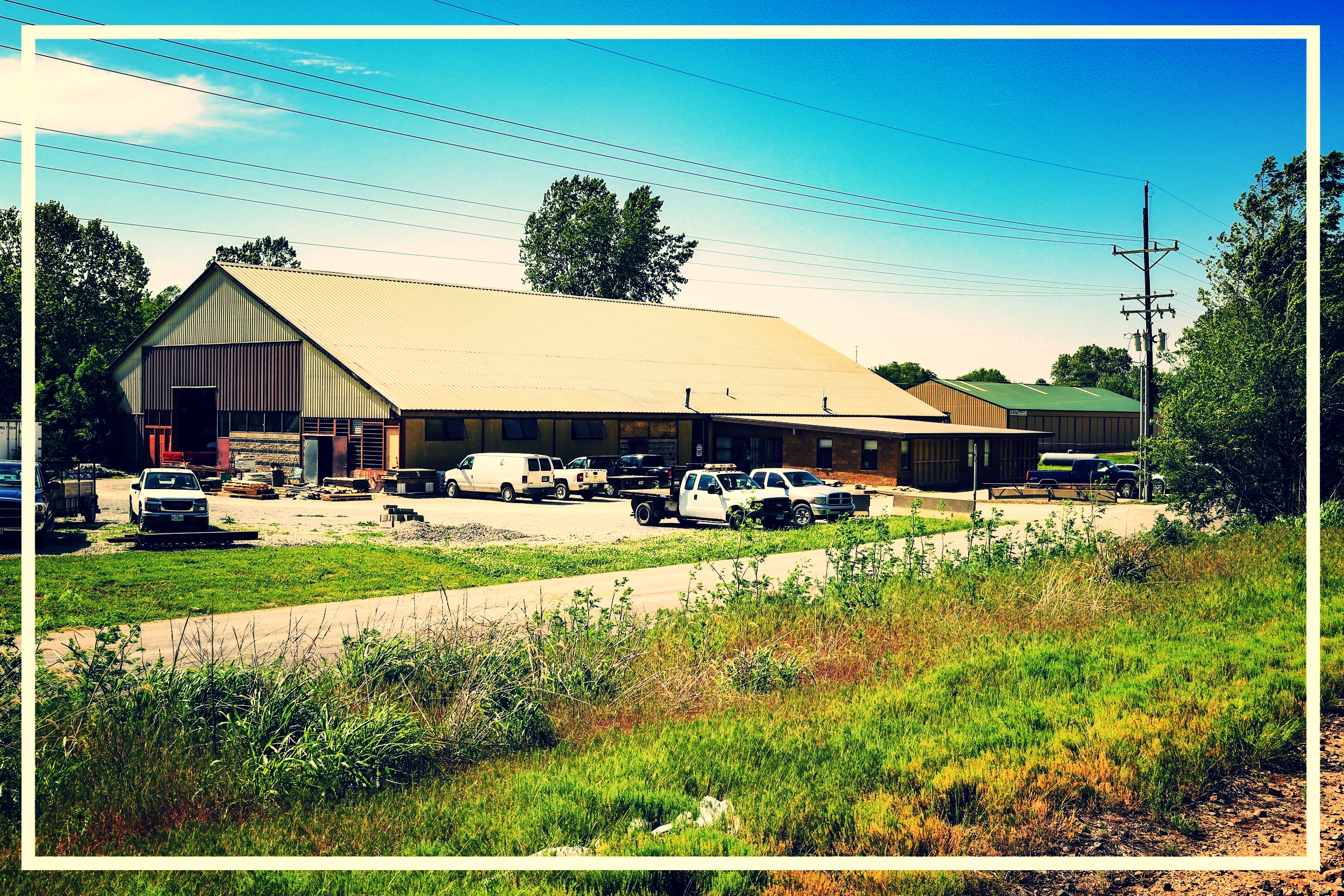 Pioneer Material Inc. is located at 3910 Waterworks Rd. St. Joseph, MO 64505.