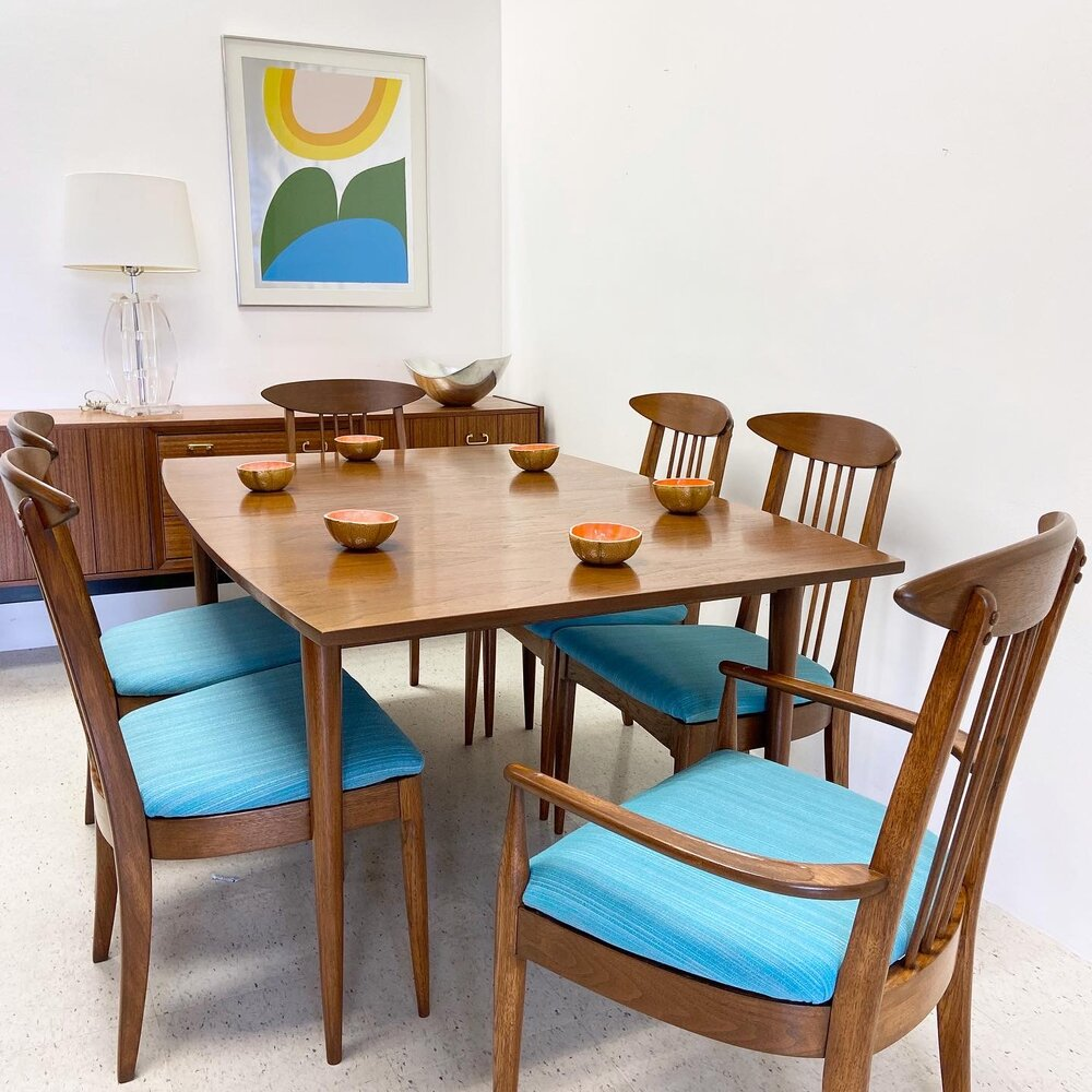 Mid Century Broyhill Sculptra Dining Table With 3 Leaves And 6 Dining Chairs Mimo