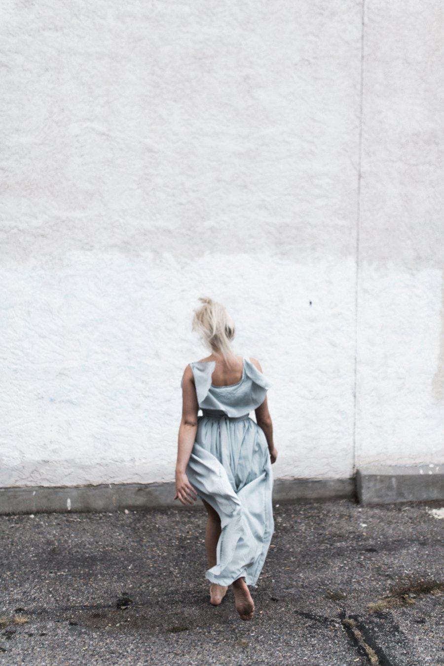 light-blue-wedding-dress-movement_0004.jpg