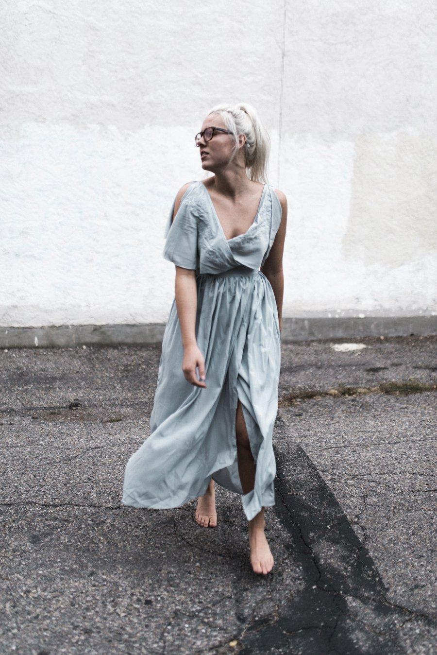 light-blue-wedding-dress-movement_0007.jpg