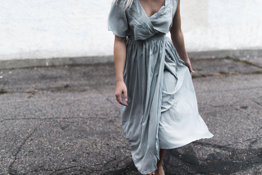 light-blue-wedding-dress-movement_0009.jpg