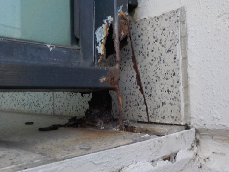 Investigation adjacent window showing lack of effective membrane