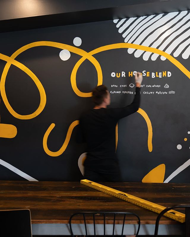 Some final touch ups today at the @goodbeanhq Mooloolaba wall. 🎨 #mural #painting