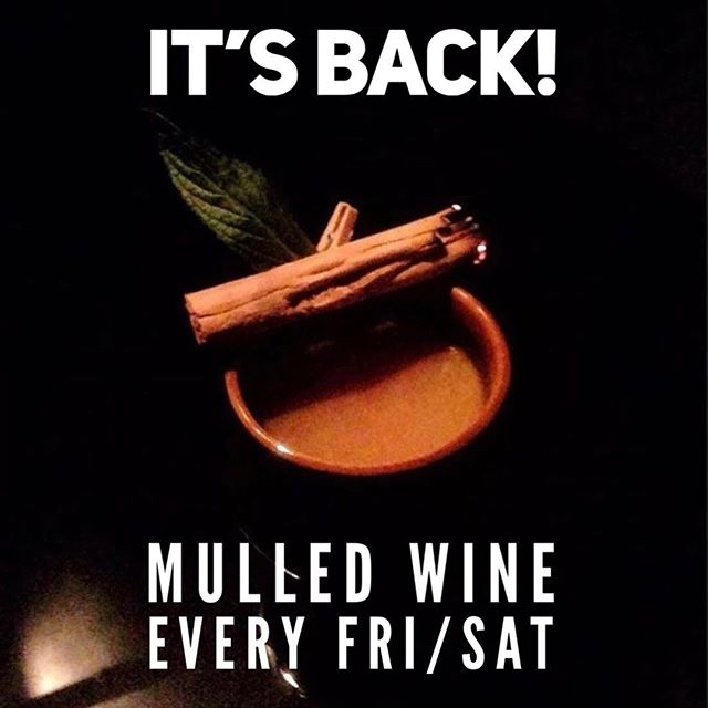 Mulled cider every weekday and mulled wine on the weekends!!! 🍷 🍎