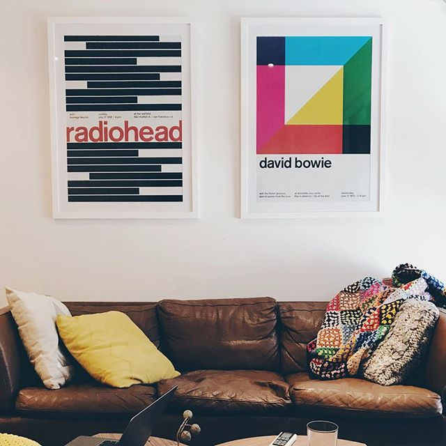 Home is looking rad 🎼⚡️#newart #christmaspresents #swissted