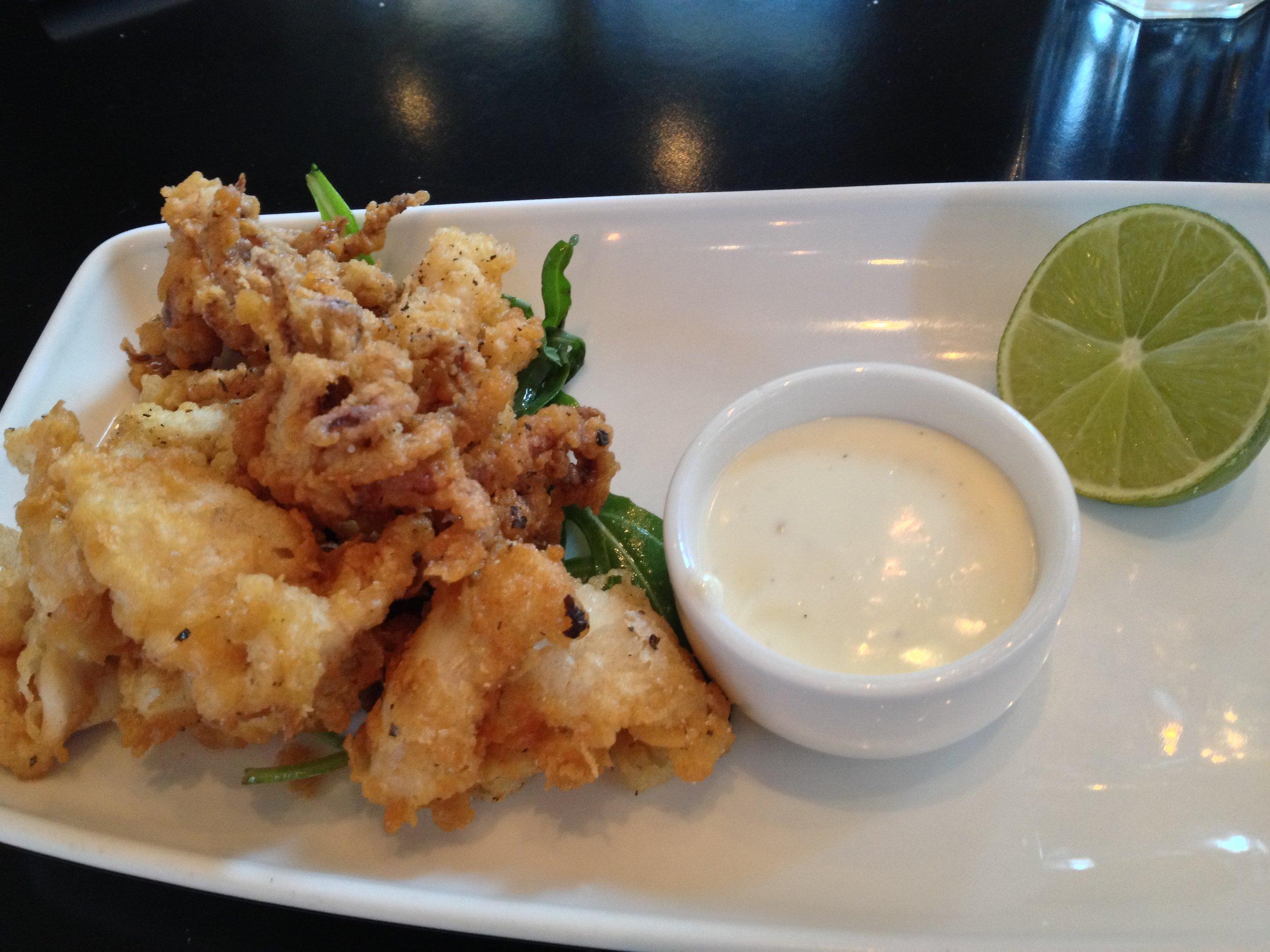 Crispy calamari with lemon mayonnaise