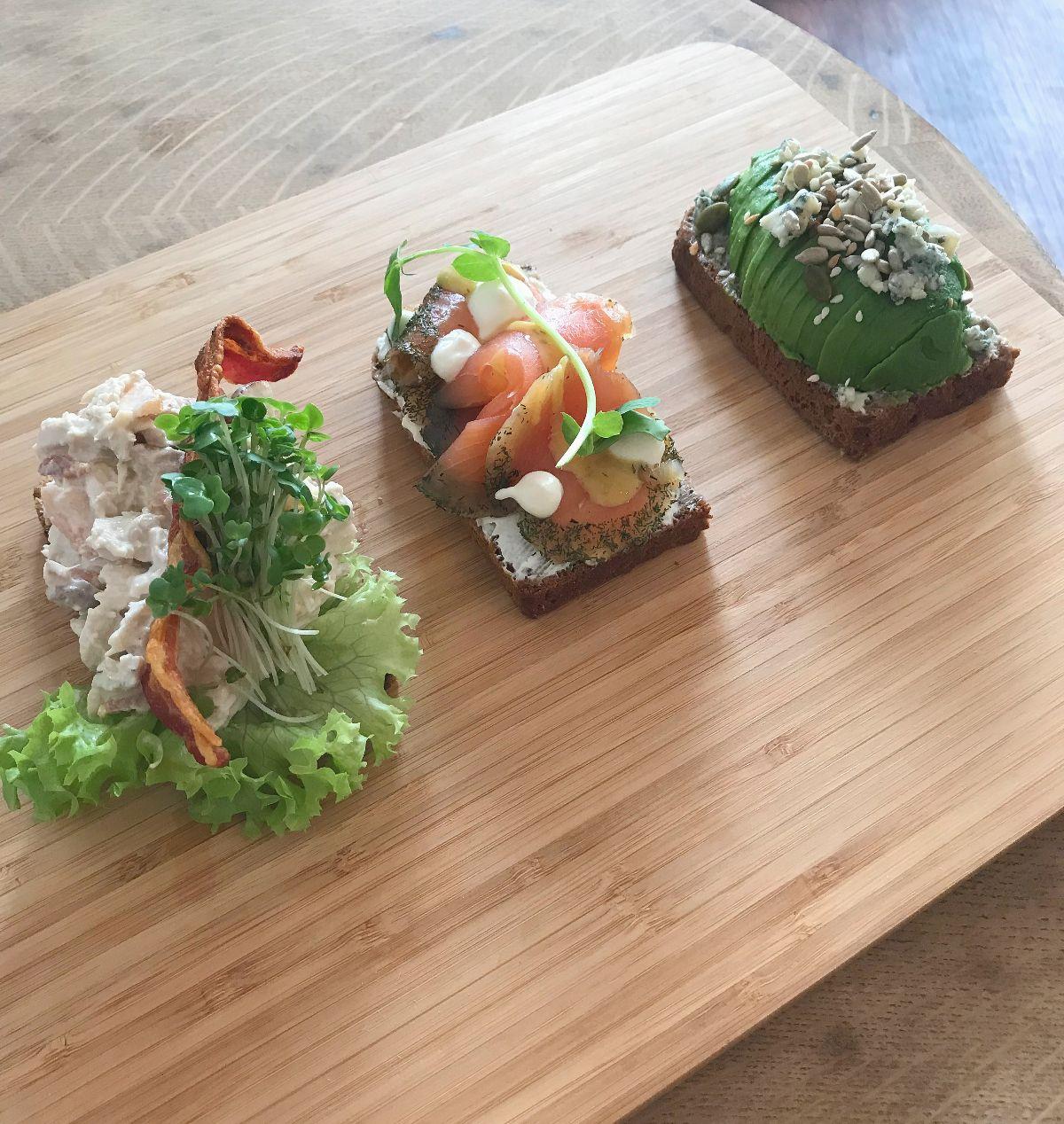 Chicken, salmon and avocado smørrebrød