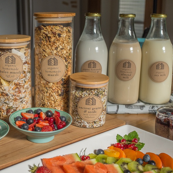 Plant based Breakfast - Your host at the Eco Villa will demonstrate just how quick & easy it is to make your own almond, coconut & cashew nut milks at home, as well as Eco Villa's delicious creamy coconut yoghurt