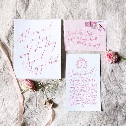All you need is love and something sweet... A throwback to the Alice in Wonderland styled shoot which calls for some pink, whimsical lines and a crest with bunny ears. ⠀⠀⠀⠀⠀⠀⠀⠀⠀ Photography: @camillacosmephoto . . . . . #thelisserei #weddingsuite #hochzeitswahn #fineartcalligraphy #weddingstationery #weddinginvitations #weddinginvitation #weddinginvites #weddingstyledshoot #hochzeitswahn #hochzeitspapeterie #hochzeitspapeteriehamburg #flatlaylove #weddingflatlays #weddinginspo