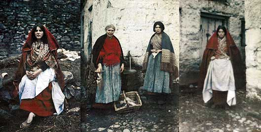 Women in Claddagh in 1913.