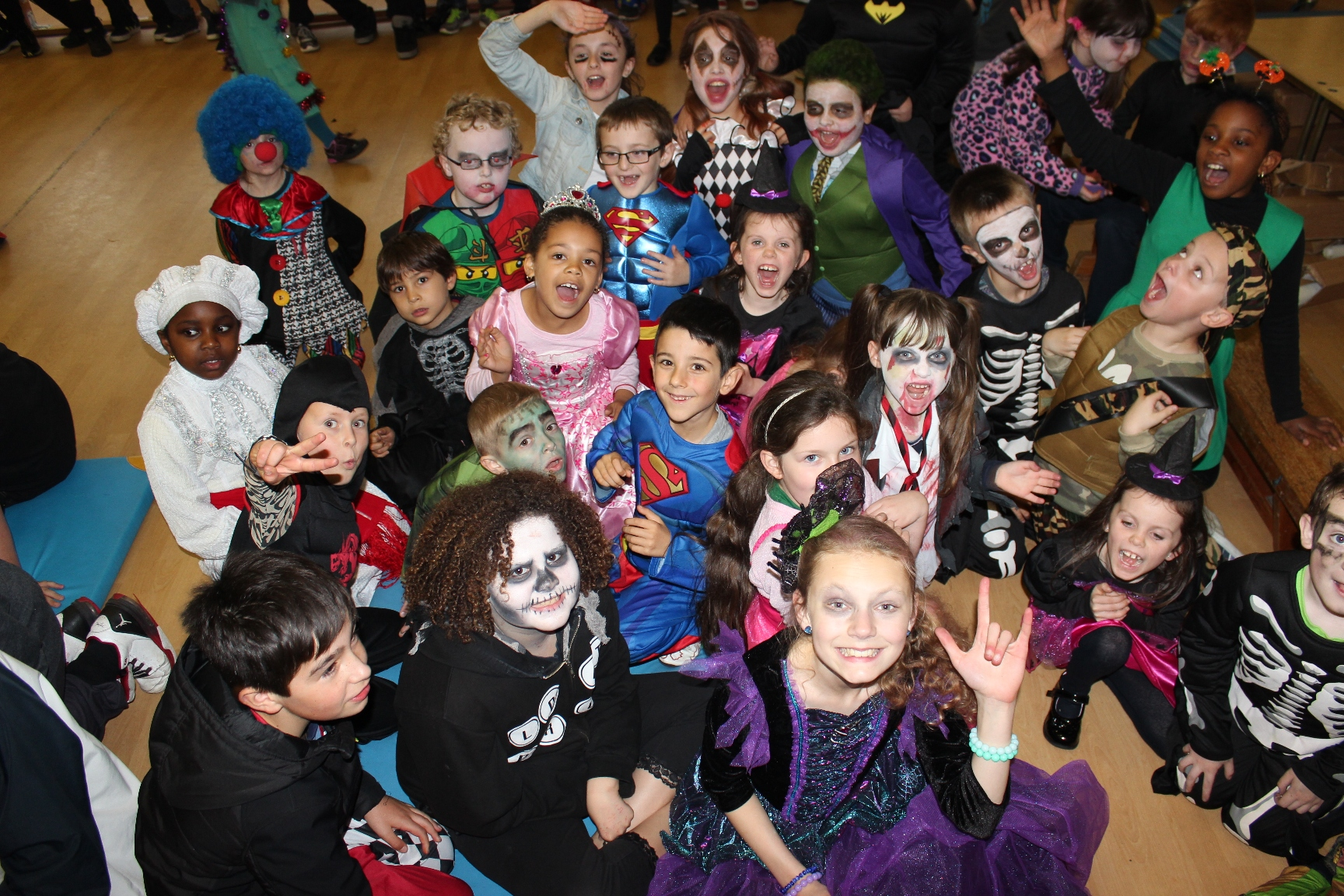 Claddagh School Halloween #5.JPG