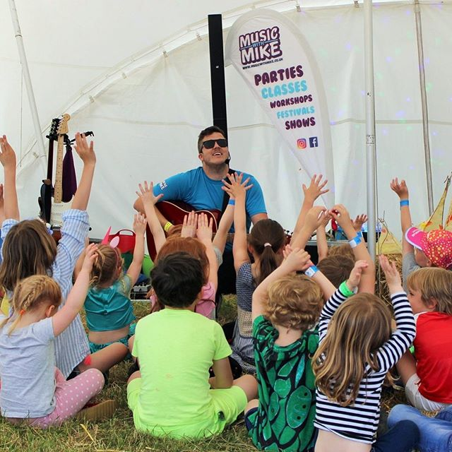 Thank you to the brilliant @musicwithmike for returning to Woodlands Festival this year to entertain our Woodlands Minis.  You were as amazing as always...! Photo credit @capturemehappy