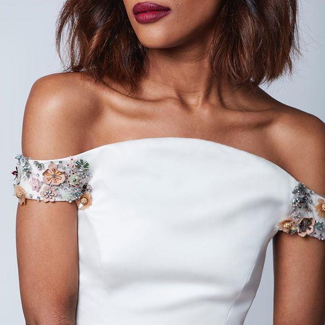 D E T A I L S // #bridalembroidery . . . . . #Bride #BrideToBe #BridalLook #BrideStyle #BridalHair #BridalHairstyle #BrideOfTheDay #BrideStory #BridalWear #BridalGown WeddingGown #BrideBlogger #Wedding #Bride #WeddingDay #WeddingPhotography #WeddingDress #WeddingPhotographer #WeddingInspiration #Marriage #InstaWedding #floralembroidery