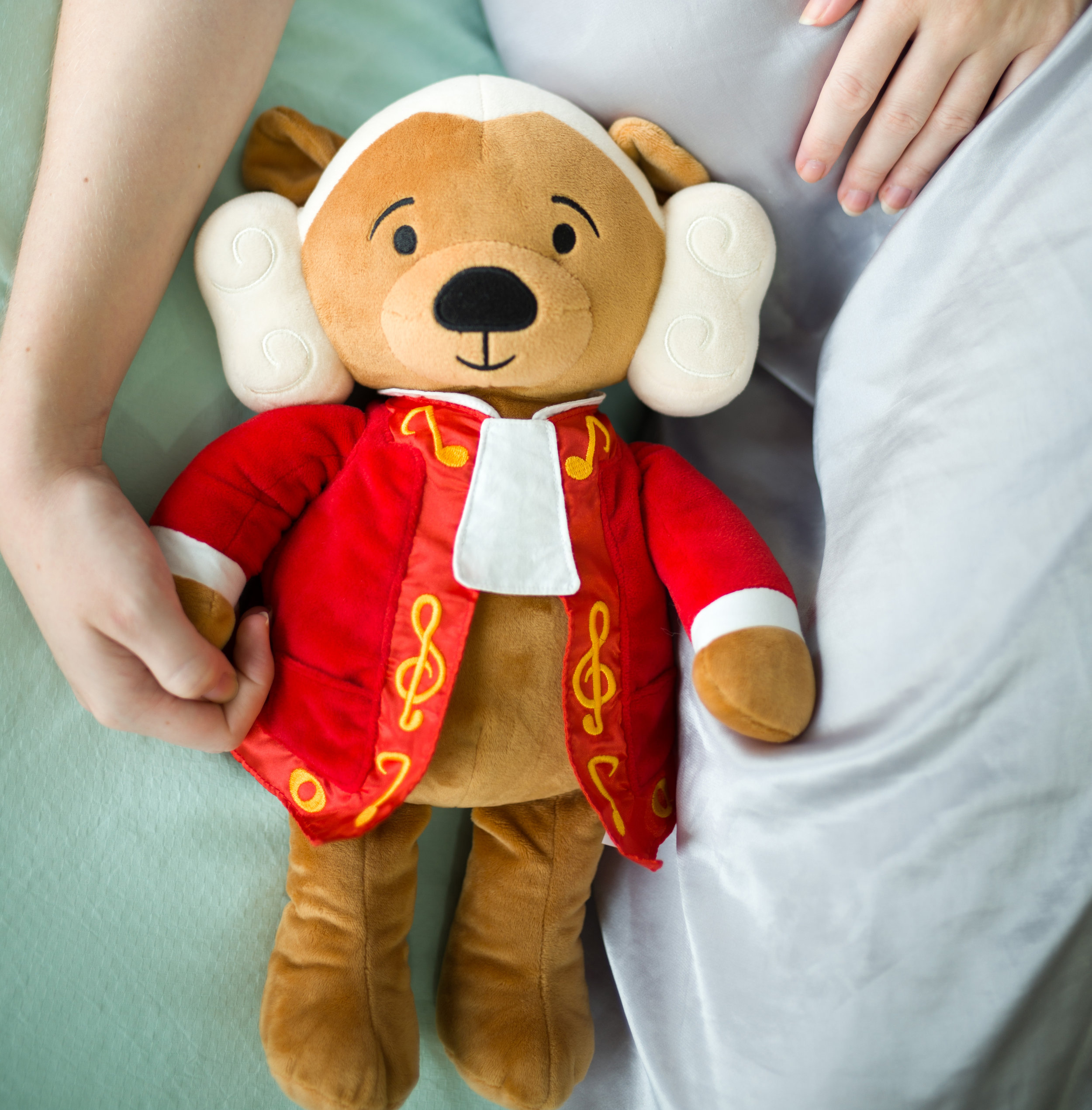 AMADEUS BEAR - featuring Mozart's greatest hits