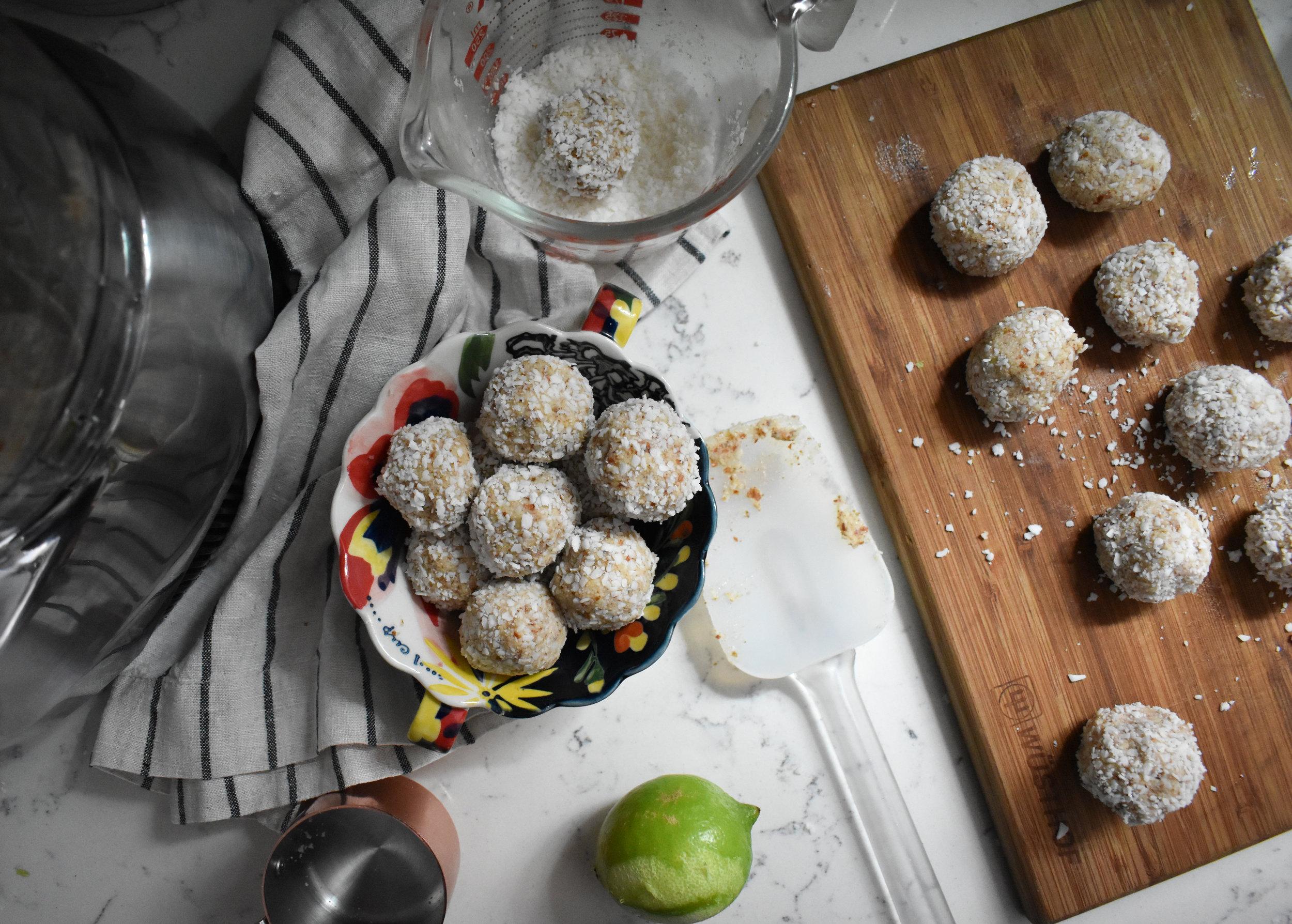 no almond pulp, coconut and cardamom bake energy bites