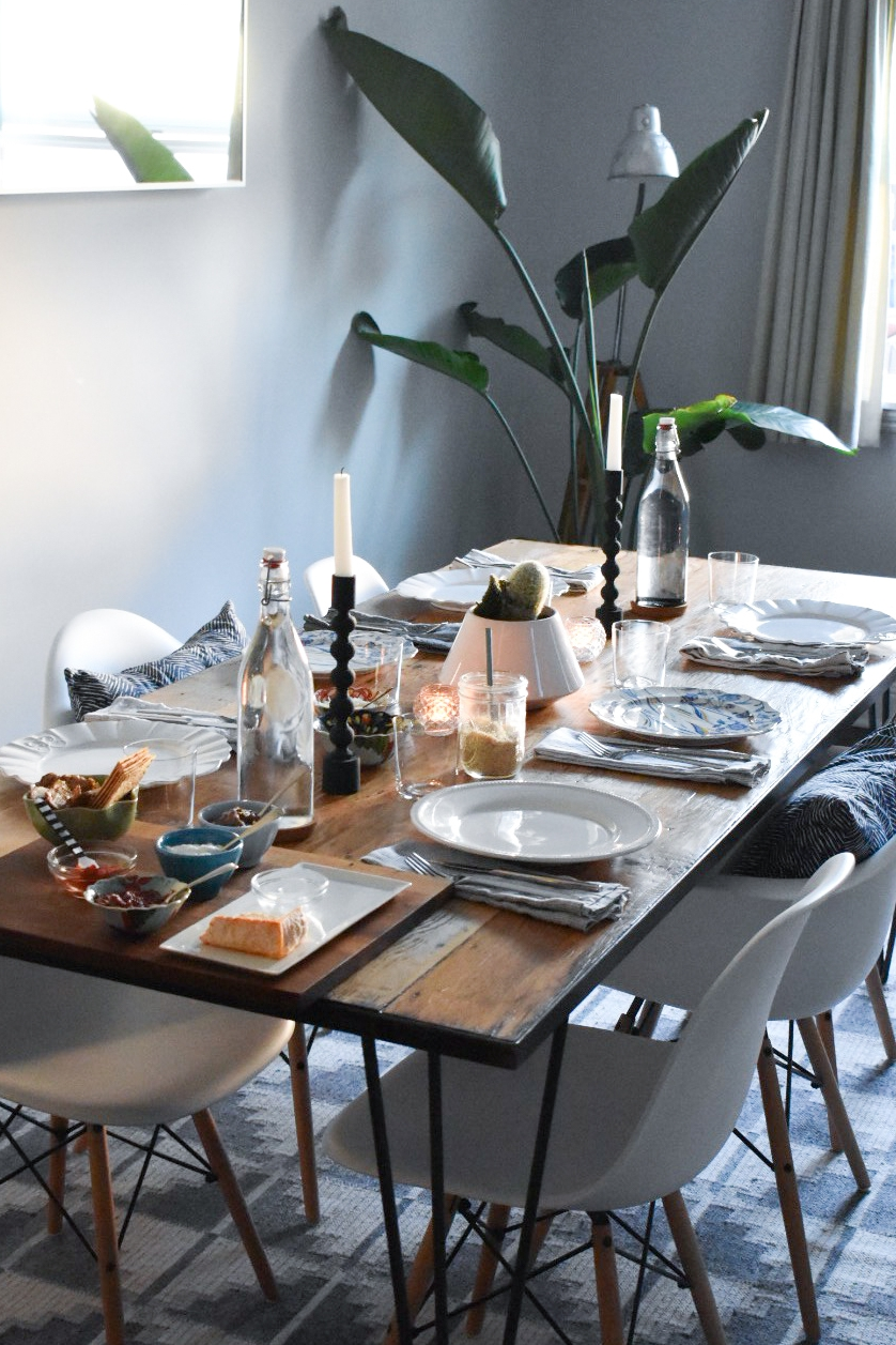 how to host a successful dinner party