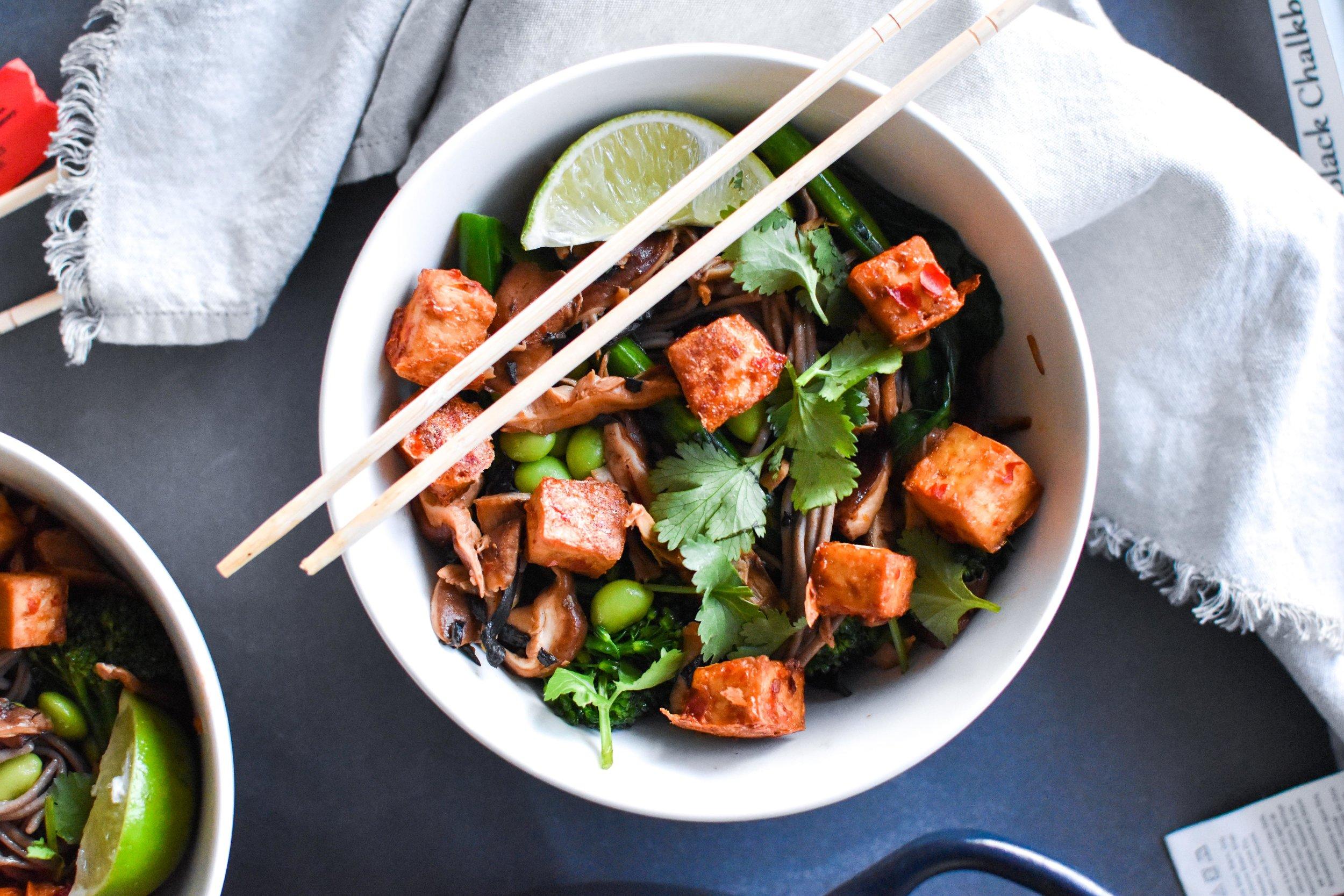 buckwheat soba noodles with crispy tofu & veggies
