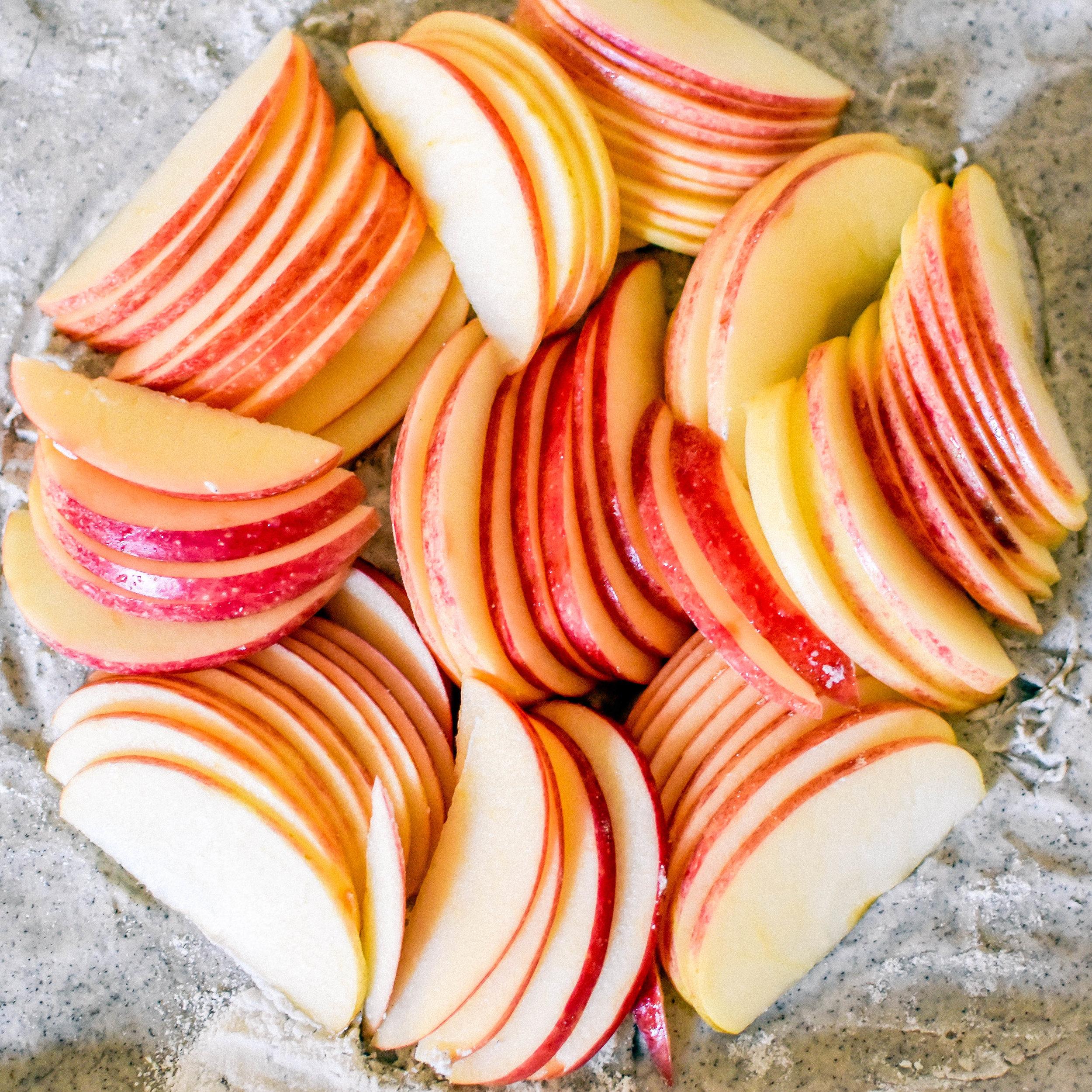 easy 10-ingredient apple galette