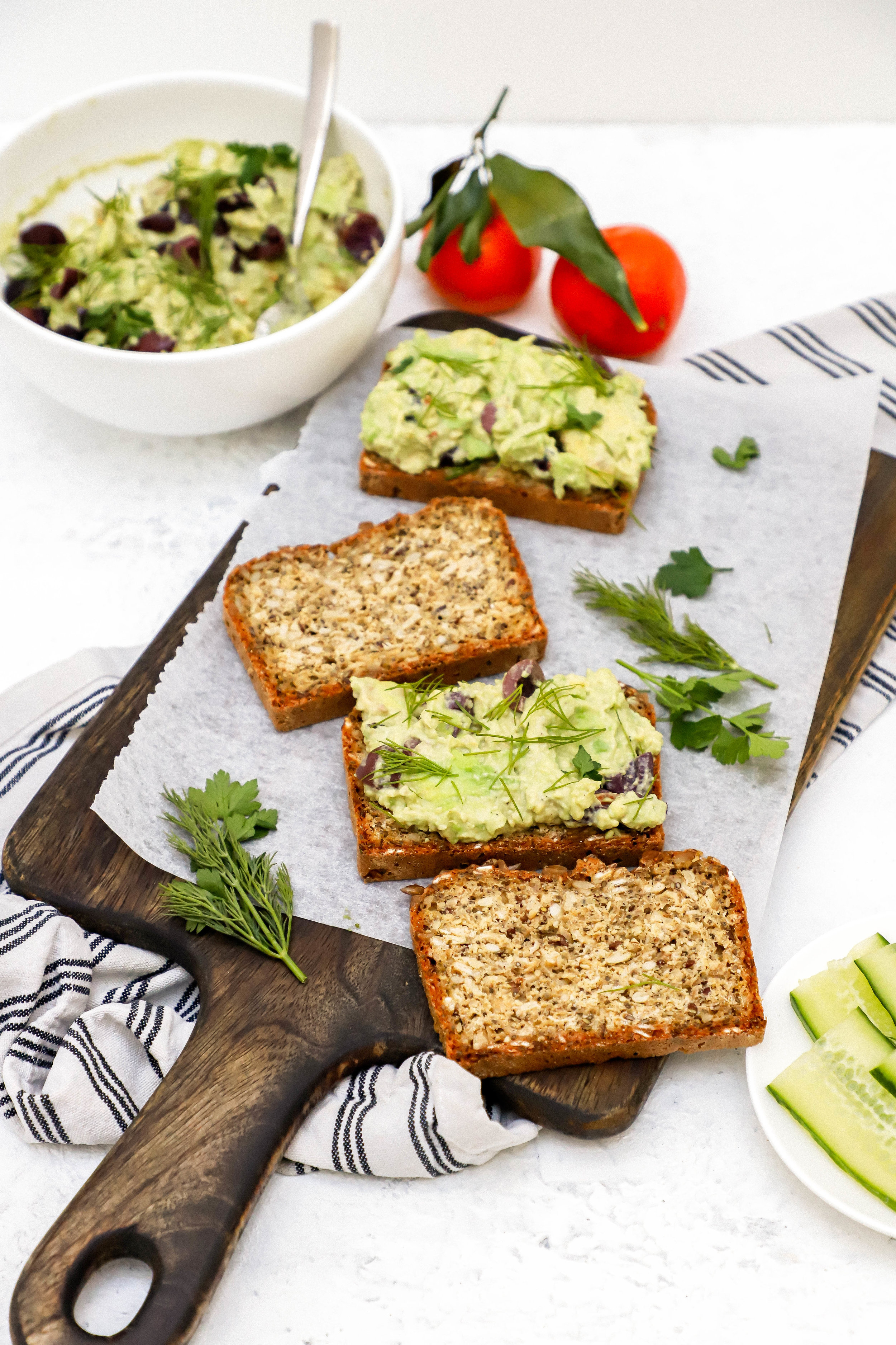 Vegan and gluten-free avocado smash on bread to make sandwiches