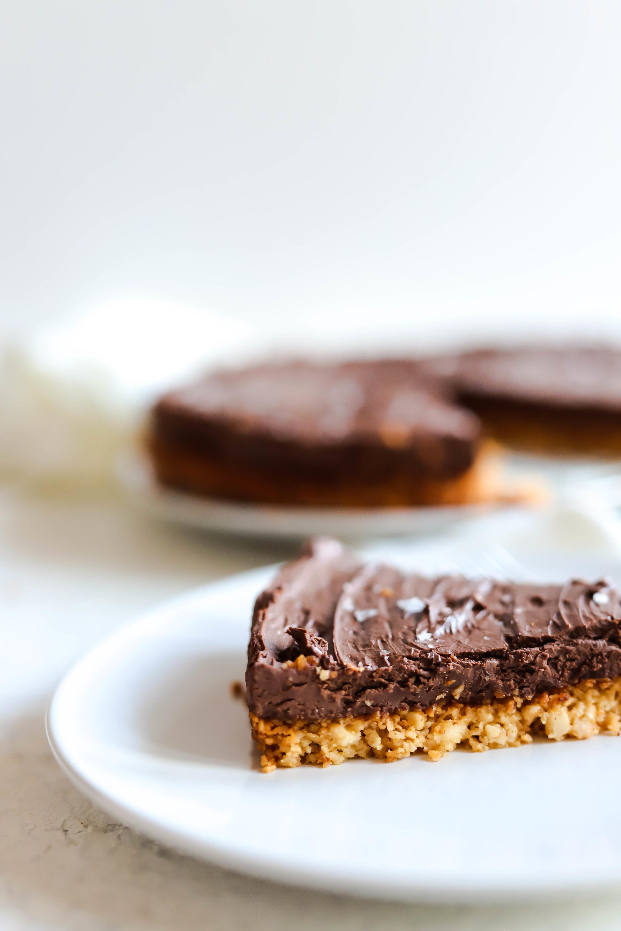 slice of gluten-free and vegan chocolate pie