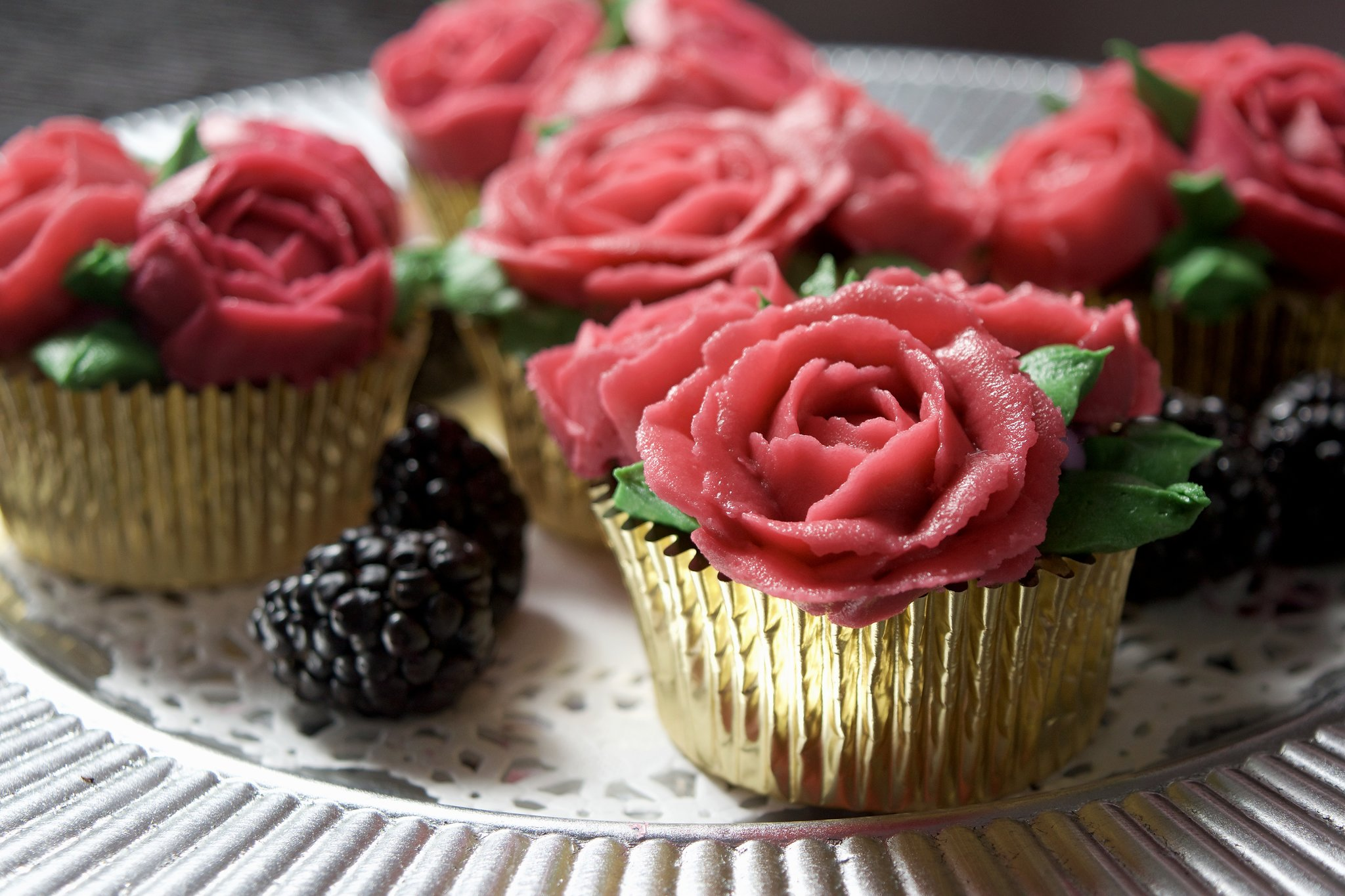 Custom Red Rose cupcakes