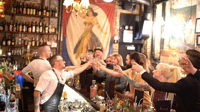 This week's takeover @thedrifterchicago was a blast! It was wonderful to see all the friends visiting the windy city for Chicago Style. We can't wait for the next takeover @pouring_ribbons on June 10th. Cheers to you! . . 🎥 by @dennis_gobis . . #cheerstoyou #TheRooseveltRoomOnTheRoad #RoRoOnTheRoad #TheRooseveltRoomATX #TheRooseveltRoom #RooseveltRoomATX #TheDrifter #TheDrifterChicago #Chicago #popup #cocktailpopup #bartakeover #guestbarshift #guestbartending @vision_in_motion @bombaysapphire @bacardi @spav_#BombaySapphire #bombaysapphiregin @jimbeam #jimbeam @eltesorotequila @suntorywhisky @suntorytoki @knobcreek