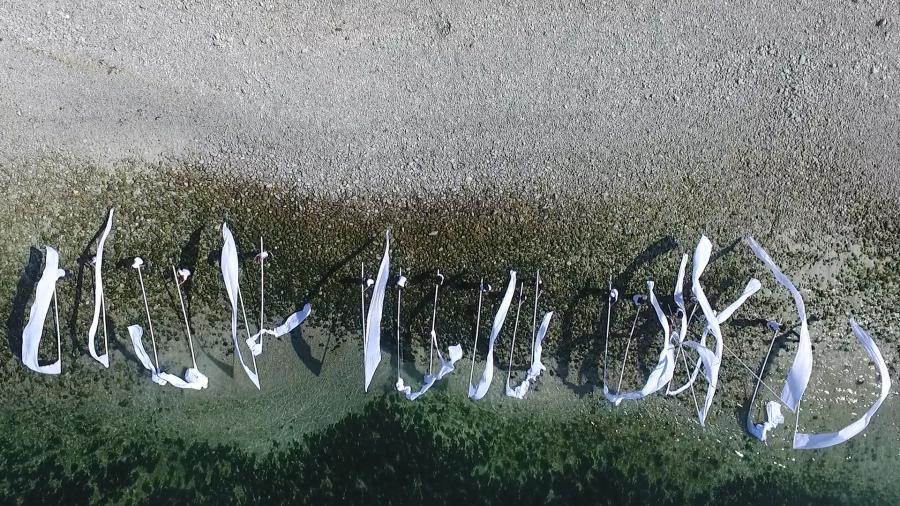 2019-Enterras-las-banderas-en-el-mar-CENITAL-04.jpg