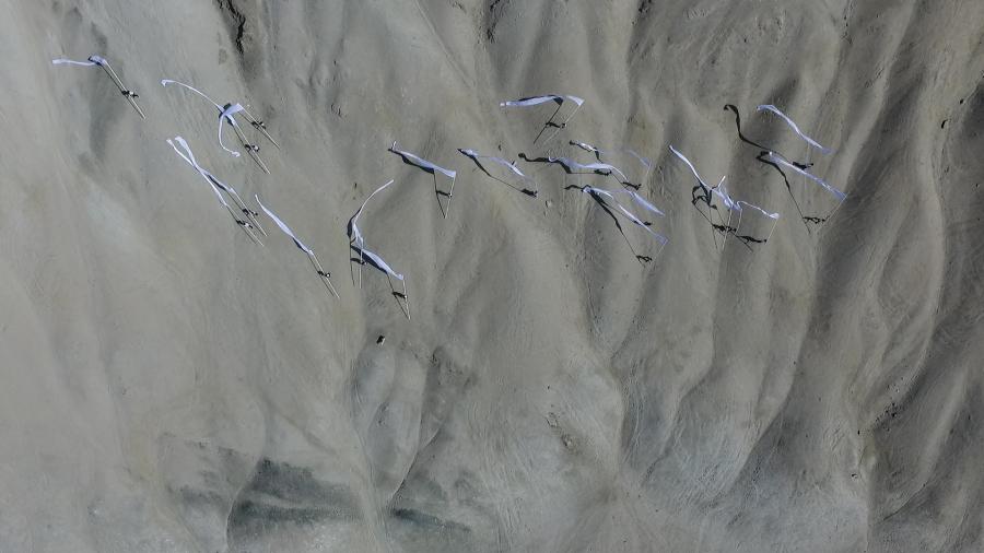 2019-Enterras-las-banderas-en-el-mar-CENITAL-01.jpg