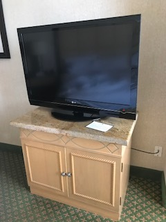 JW Small Granite Top Entertainment Center /LG TV w/remote
