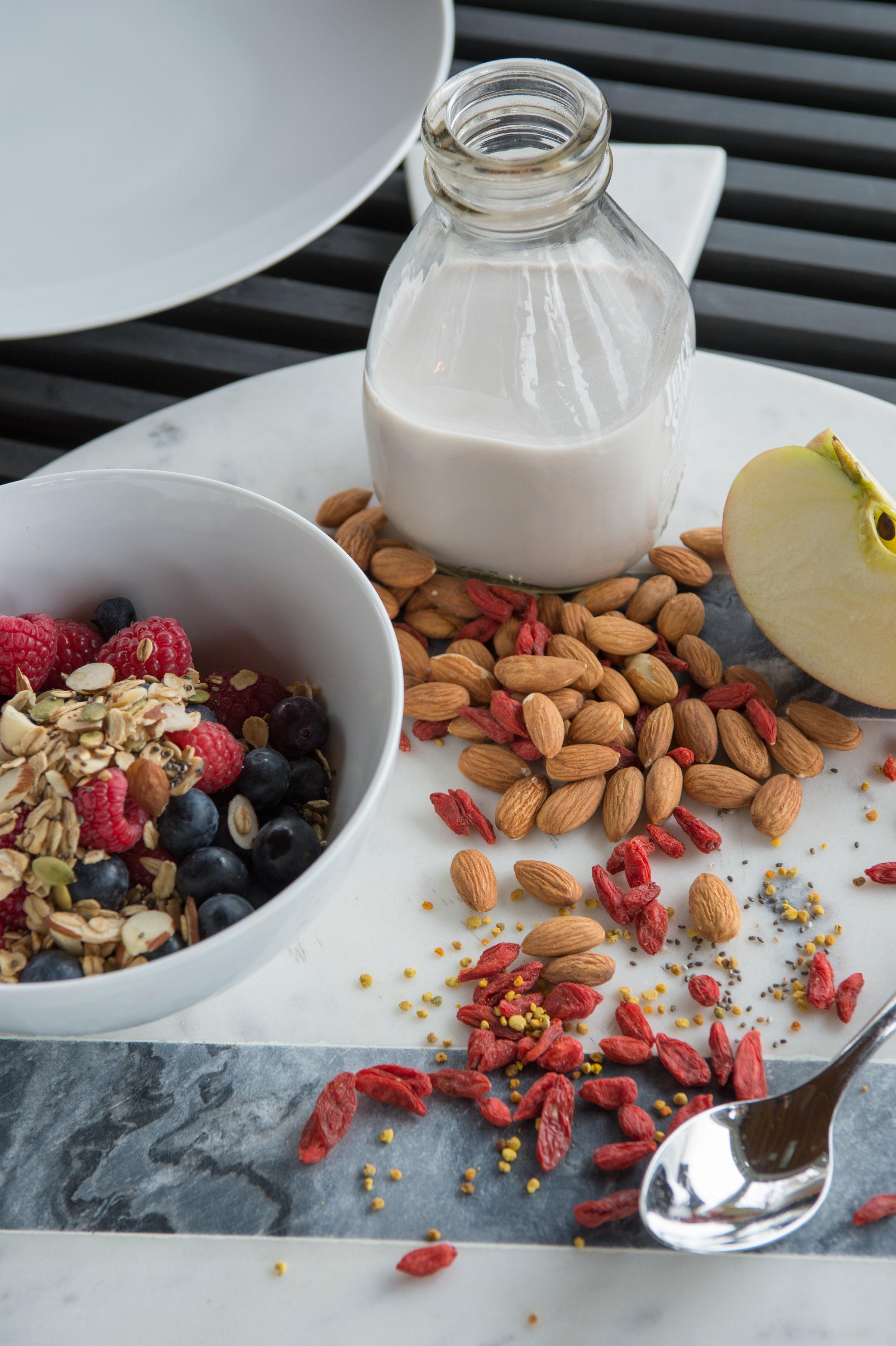granola and milk tighter7396.jpg