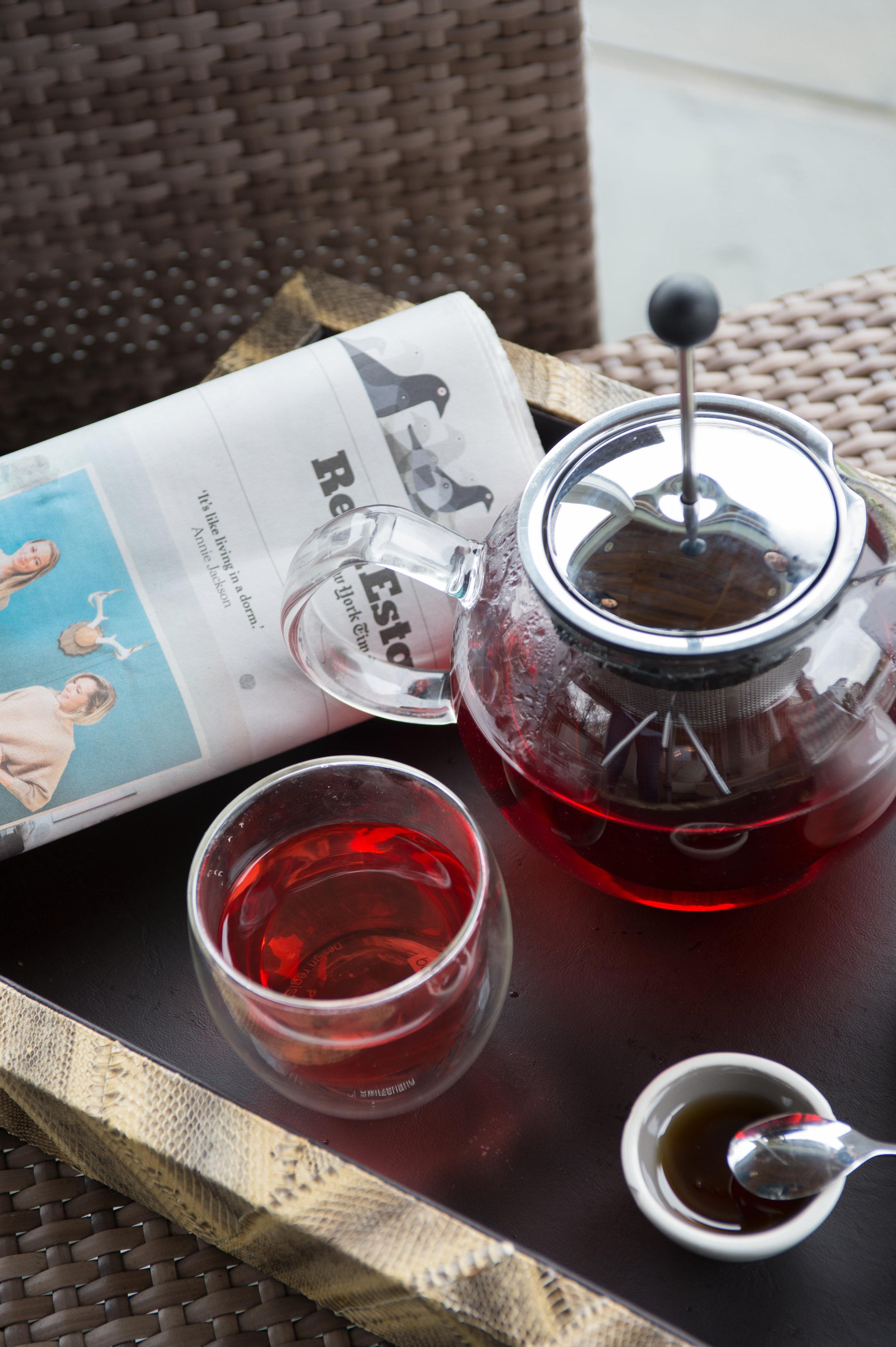 tea setup7424.jpg