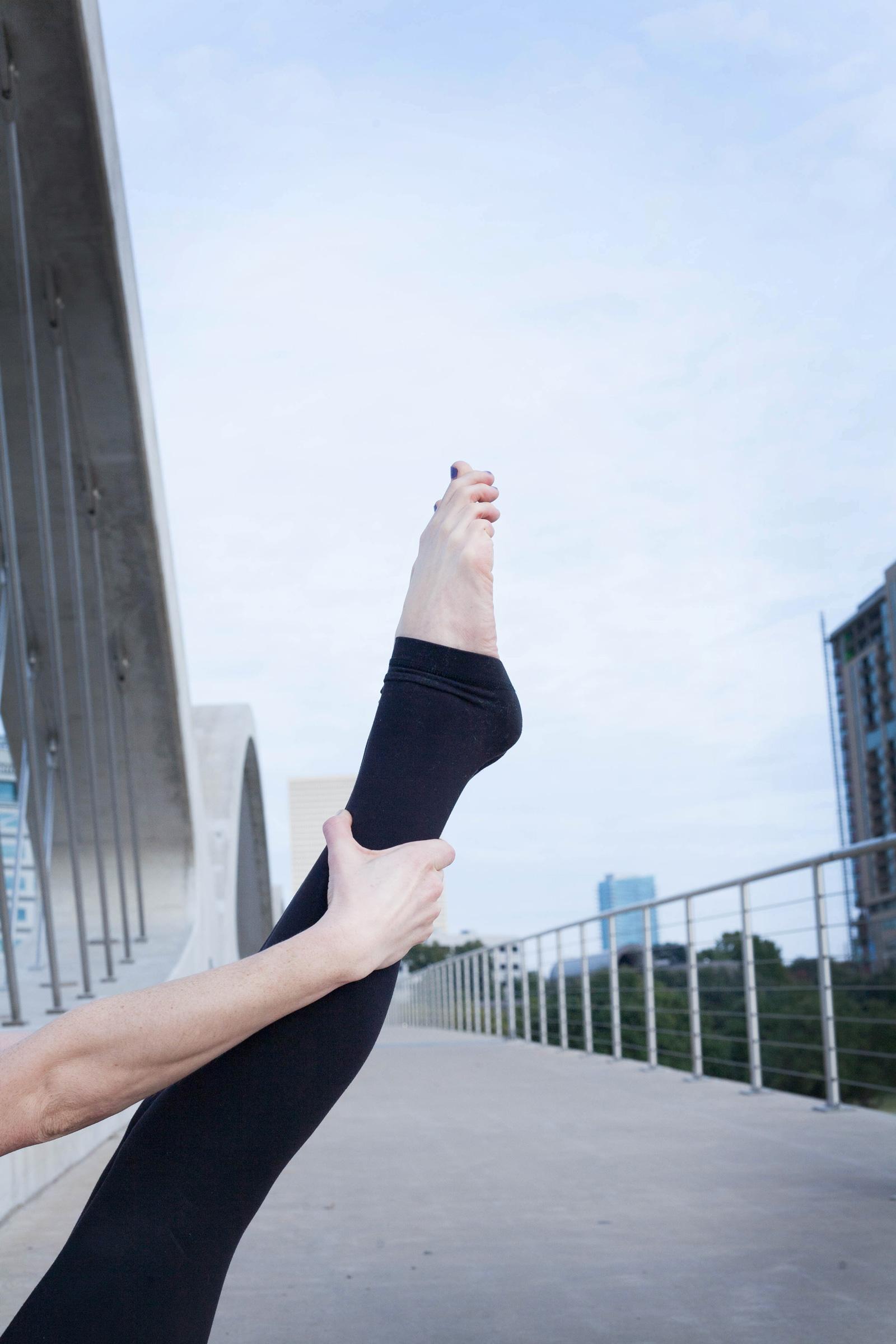 Erin-Yoga-044-BW.jpg