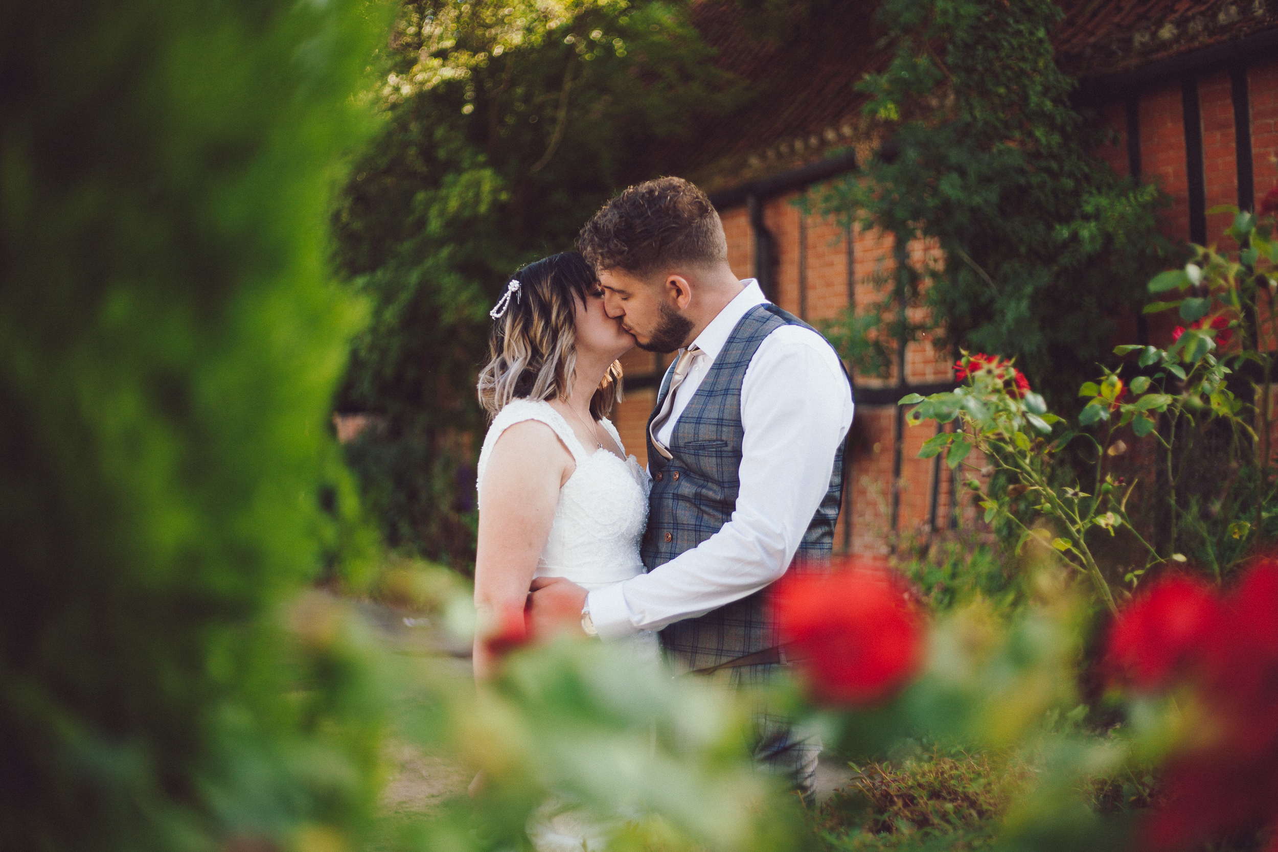 Beautiful couples portrait captured at the barns hotel Bedfordshire by Wedding photographer Richard Puncheon.