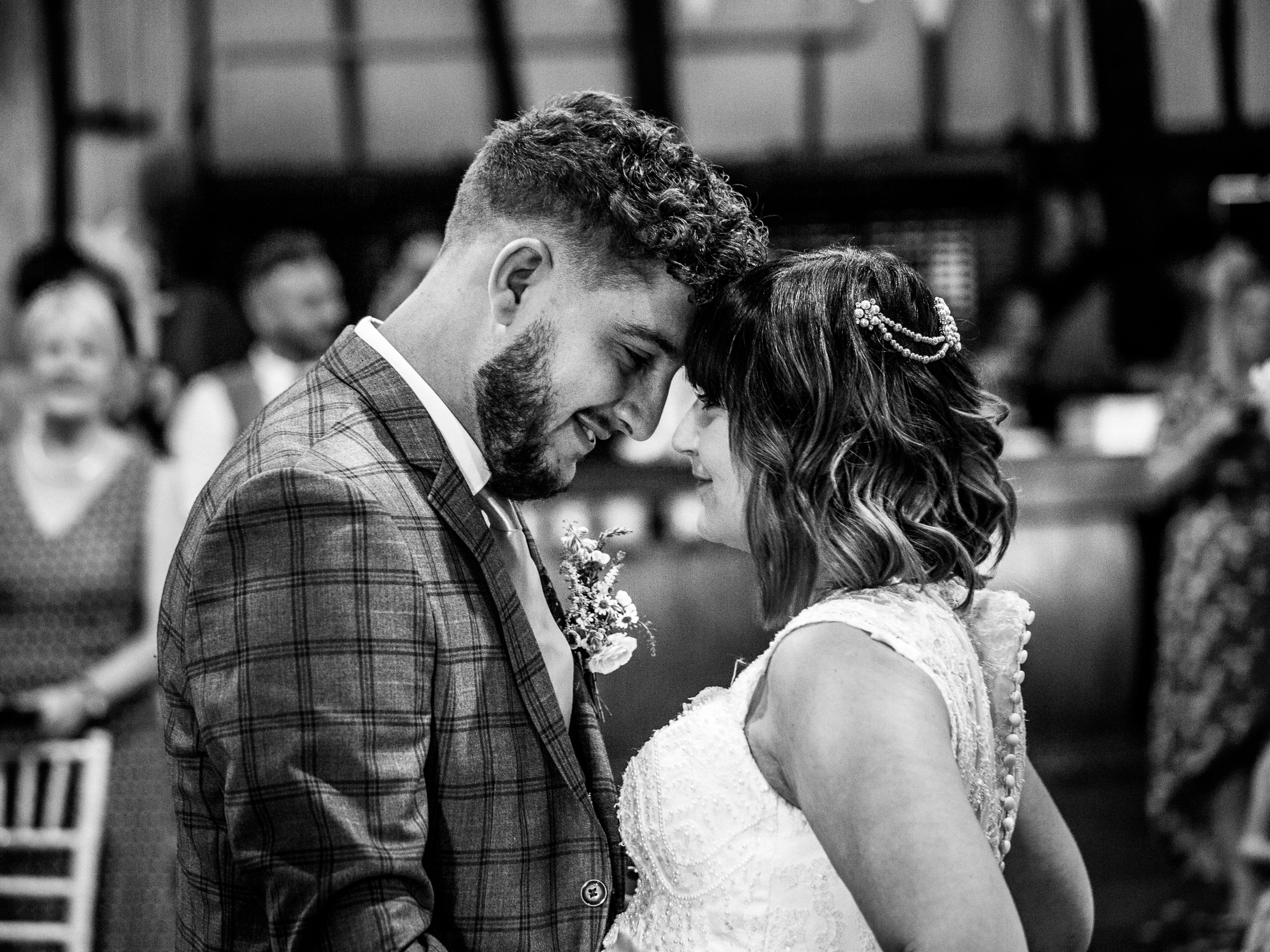 Bedfordshire wedding at the Barns hotel, captured by Richard Puncheon Photography