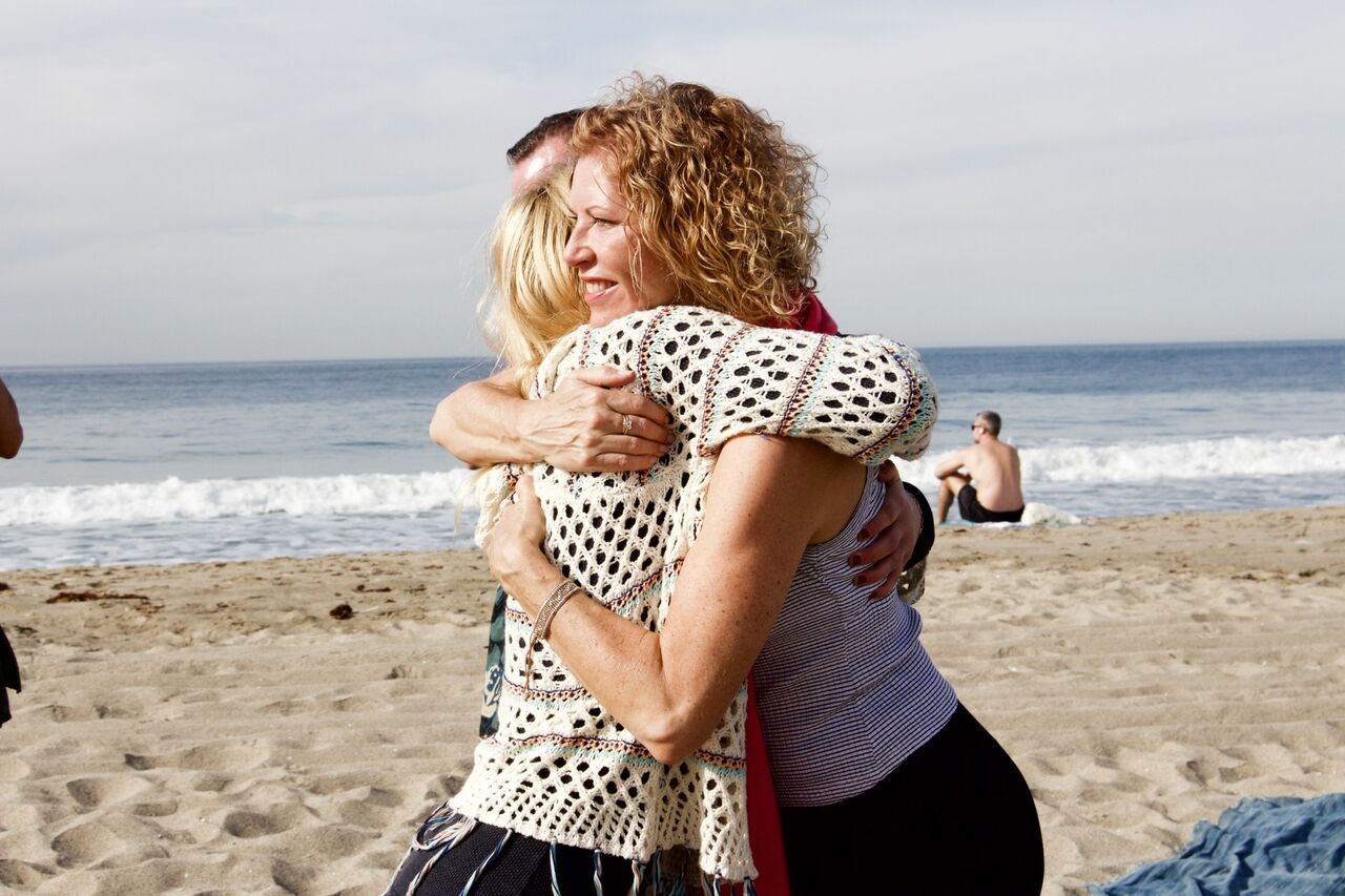??? ANDREA 1 HUGS.jpg