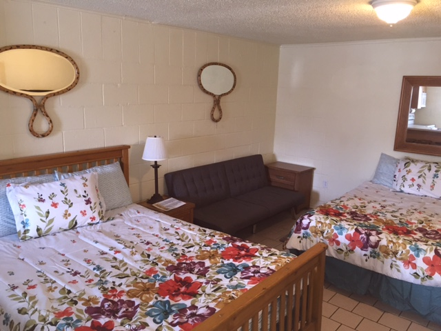 Room 10 new bedding 1.jpg