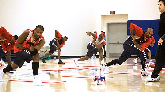 Clippers (NBA) players rely on yoga pregame.
