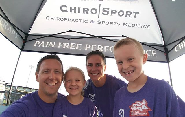 Having a blast and chatting with people about chiropractic and pain free performance at #runforthecorn