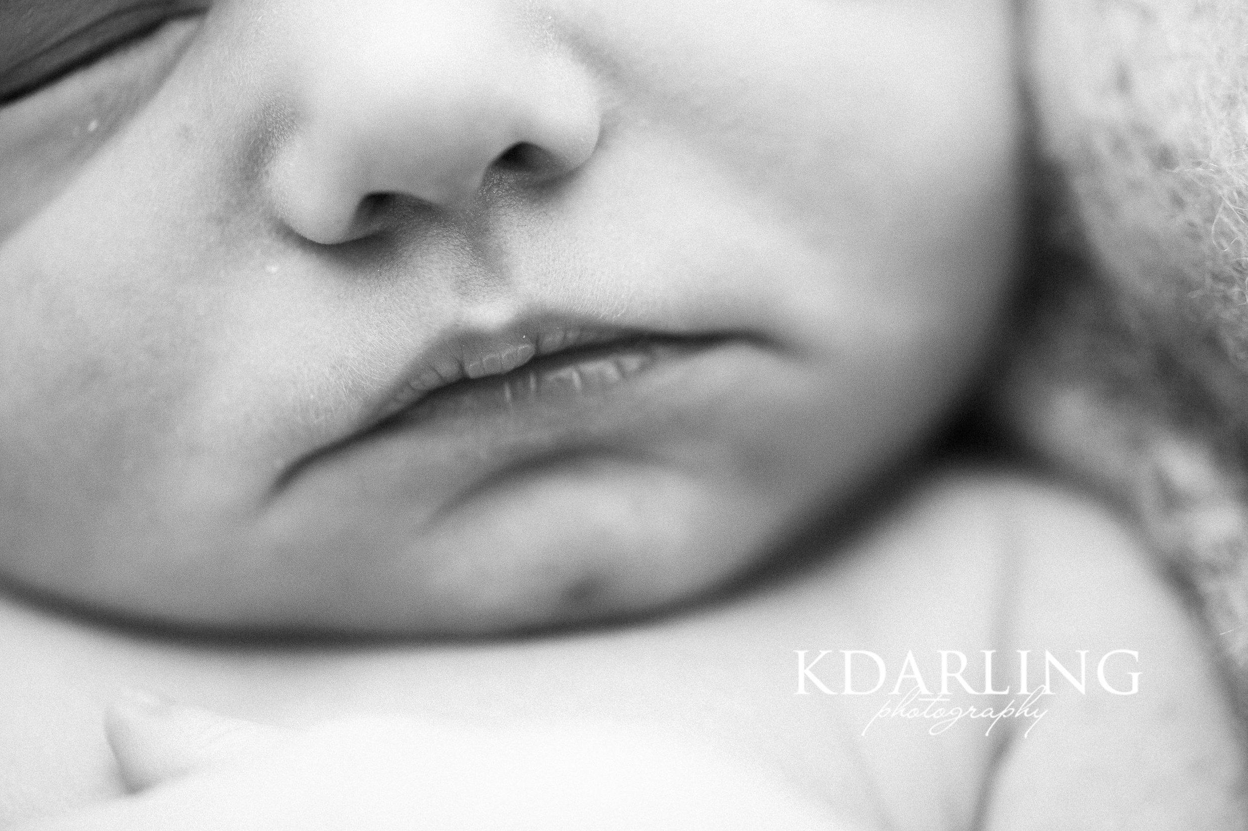 newborn-girl-neutral-organic-sleeping-champaign-il-county-photographer-darling_0336