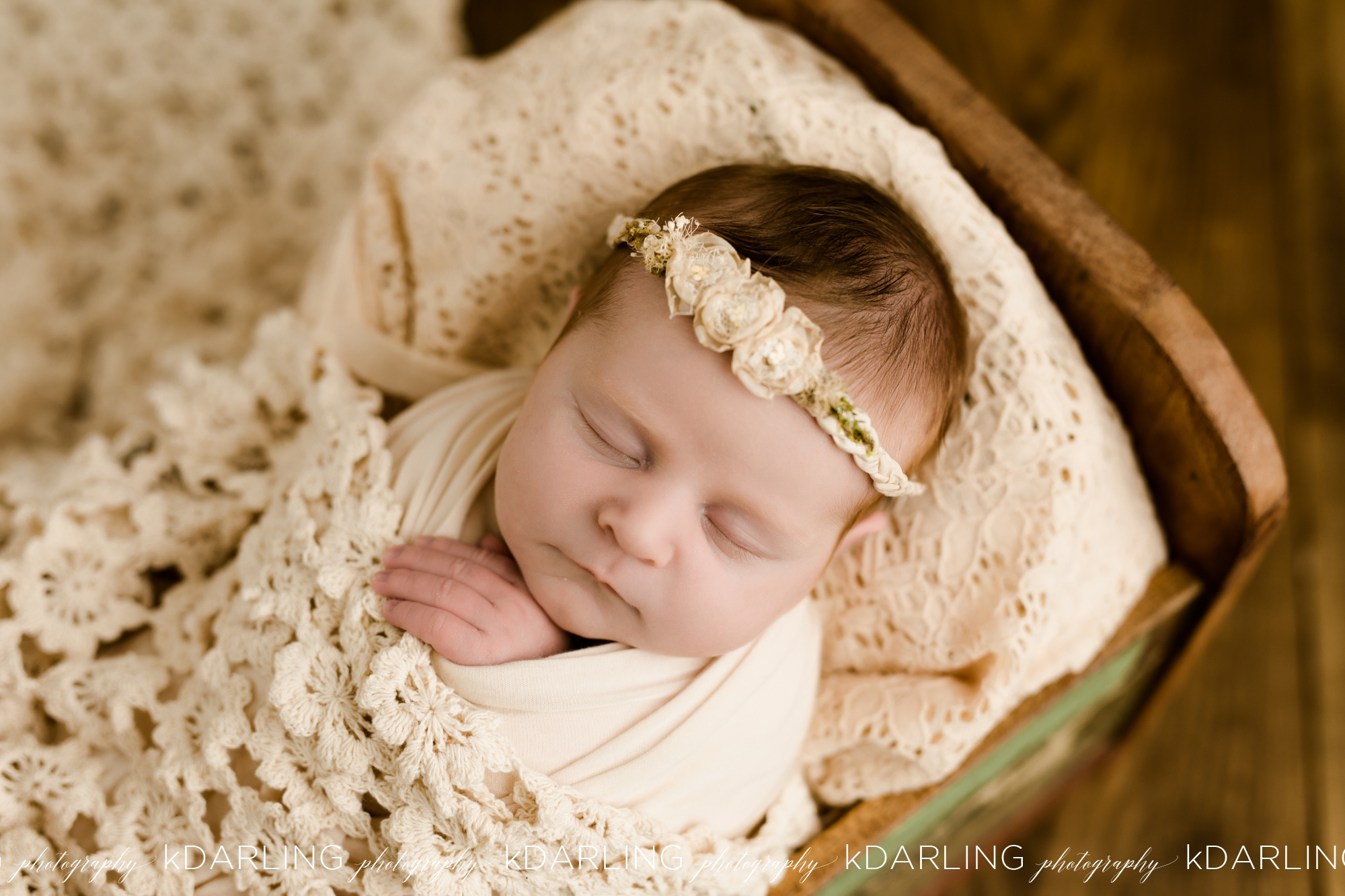 Newborn-Photography-Champaign-County-IL-Girl-pink-white-darling_1936.jpg