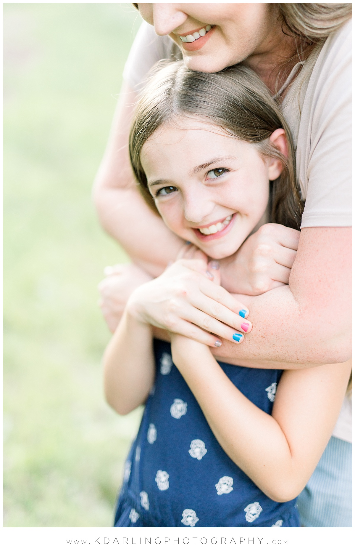 Central-IL-family-photographer-Champaign-County-Bloomington-McLean-outdoor-photo-session_0005.jpg