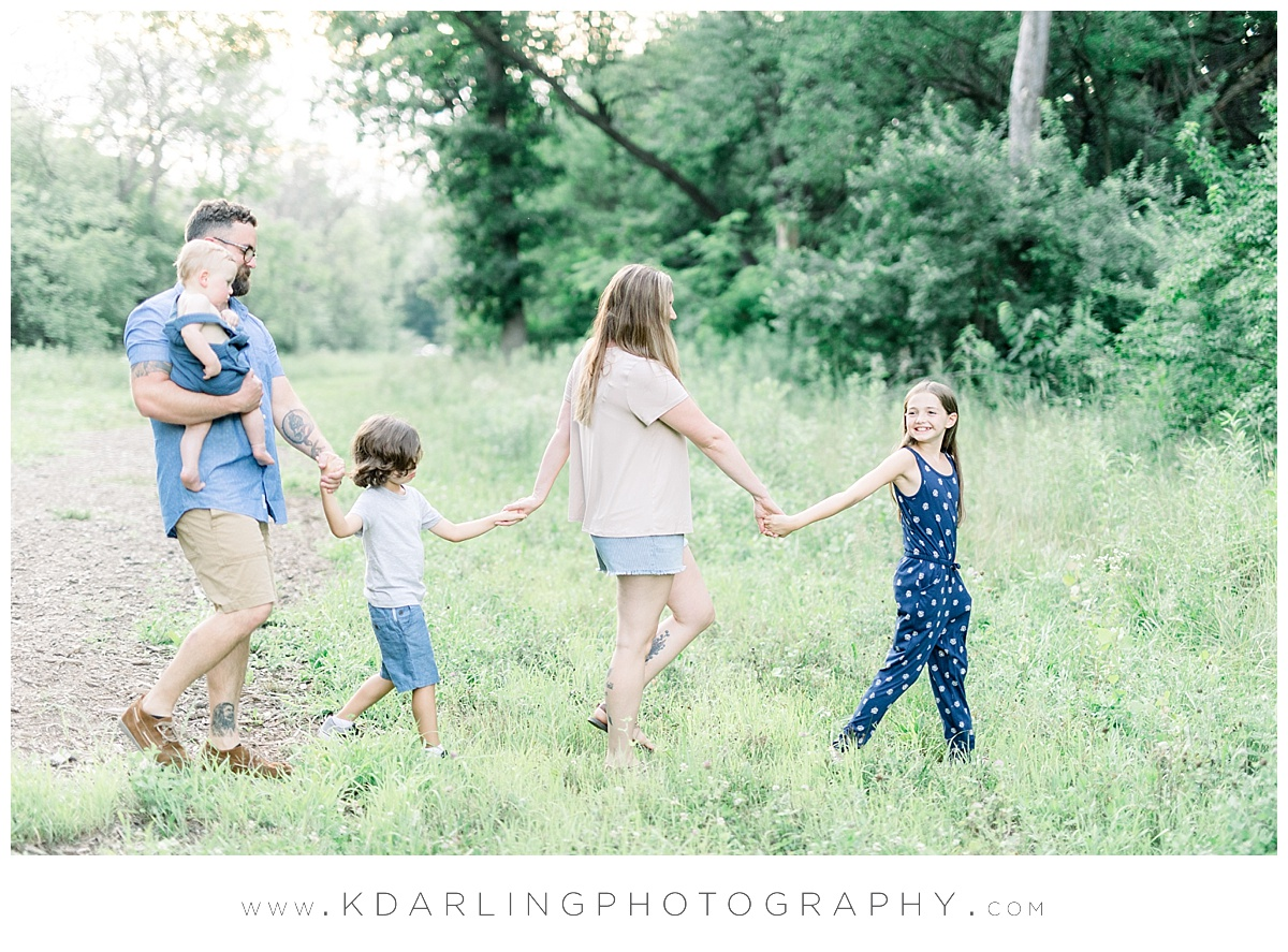 Central-IL-family-photographer-Champaign-County-Bloomington-McLean-outdoor-photo-session_0007.jpg