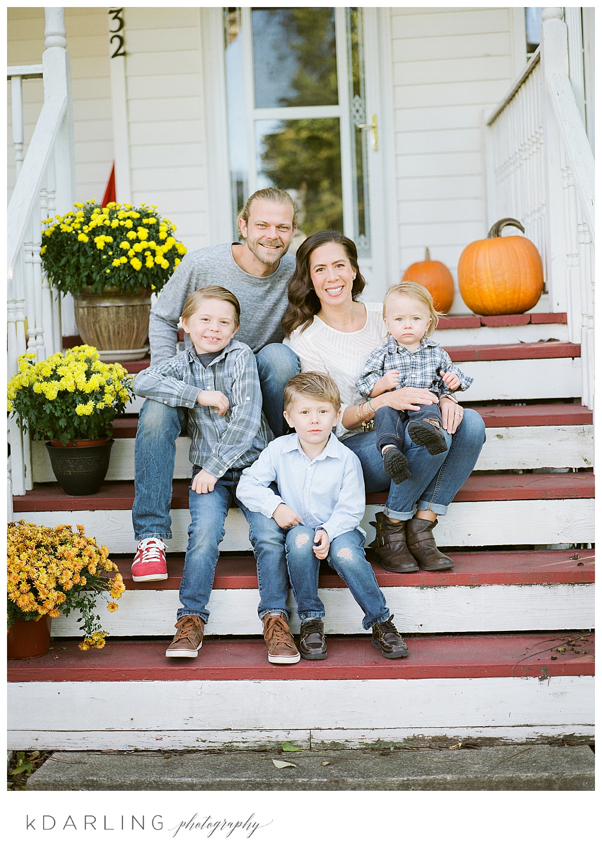 Lifestyle-family-photography-in-home-children-brothers-onarga-central-il_0014.jpg