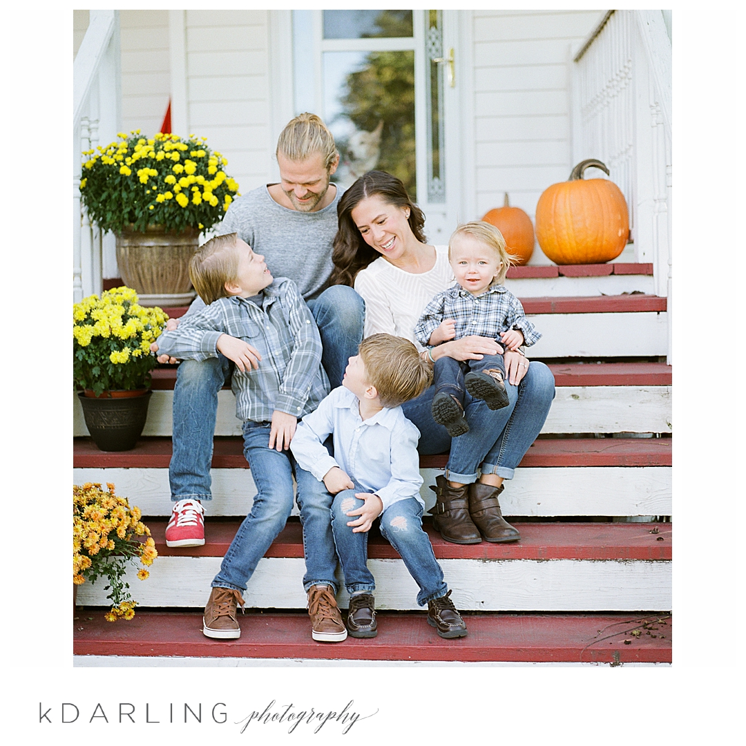 Lifestyle-family-photography-in-home-children-brothers-onarga-central-il_0029.jpg