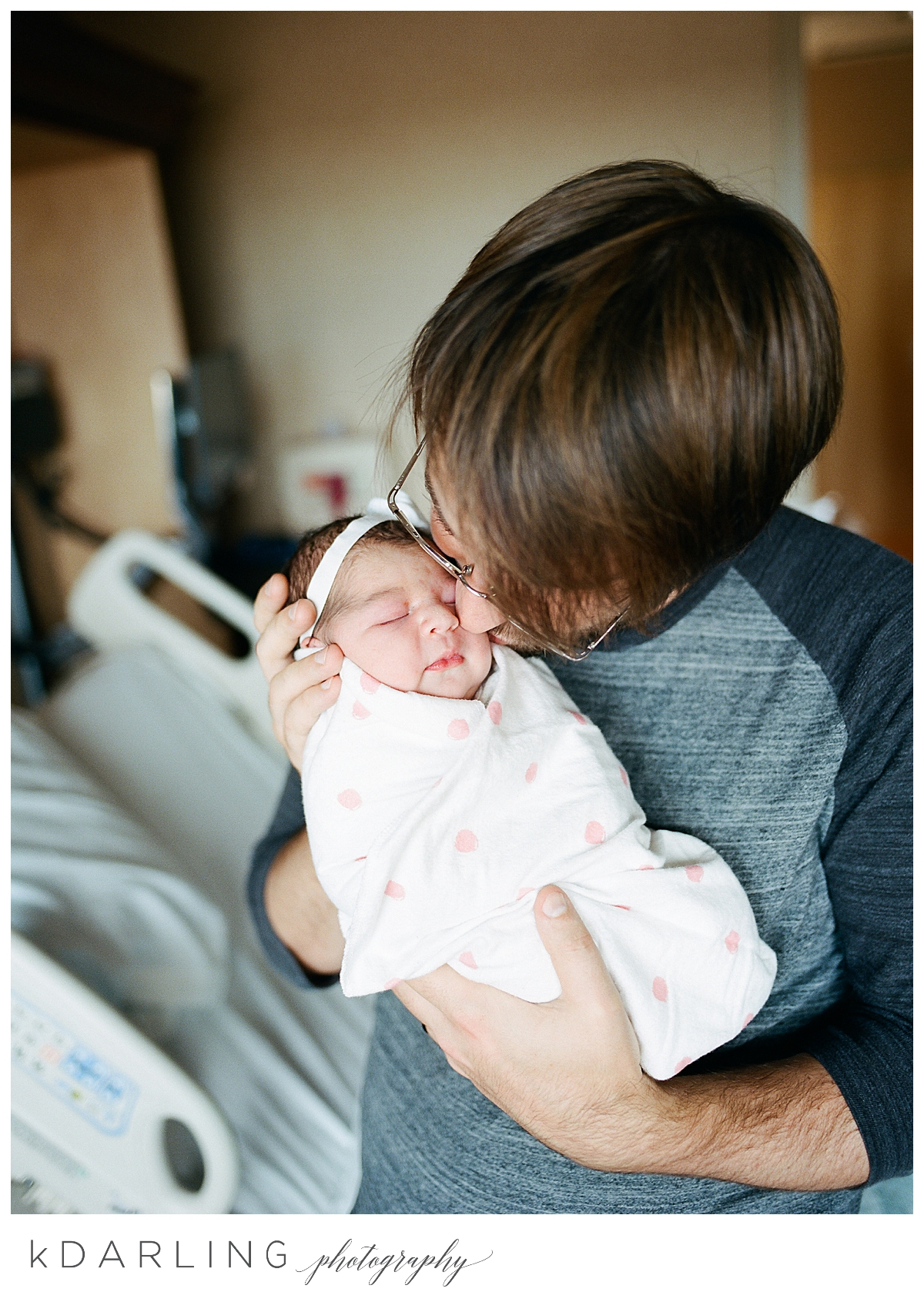 Fresh-48-hospital-newborn-photography-Carle-Urbana-Champaign-Central-IL-film_0050.jpg