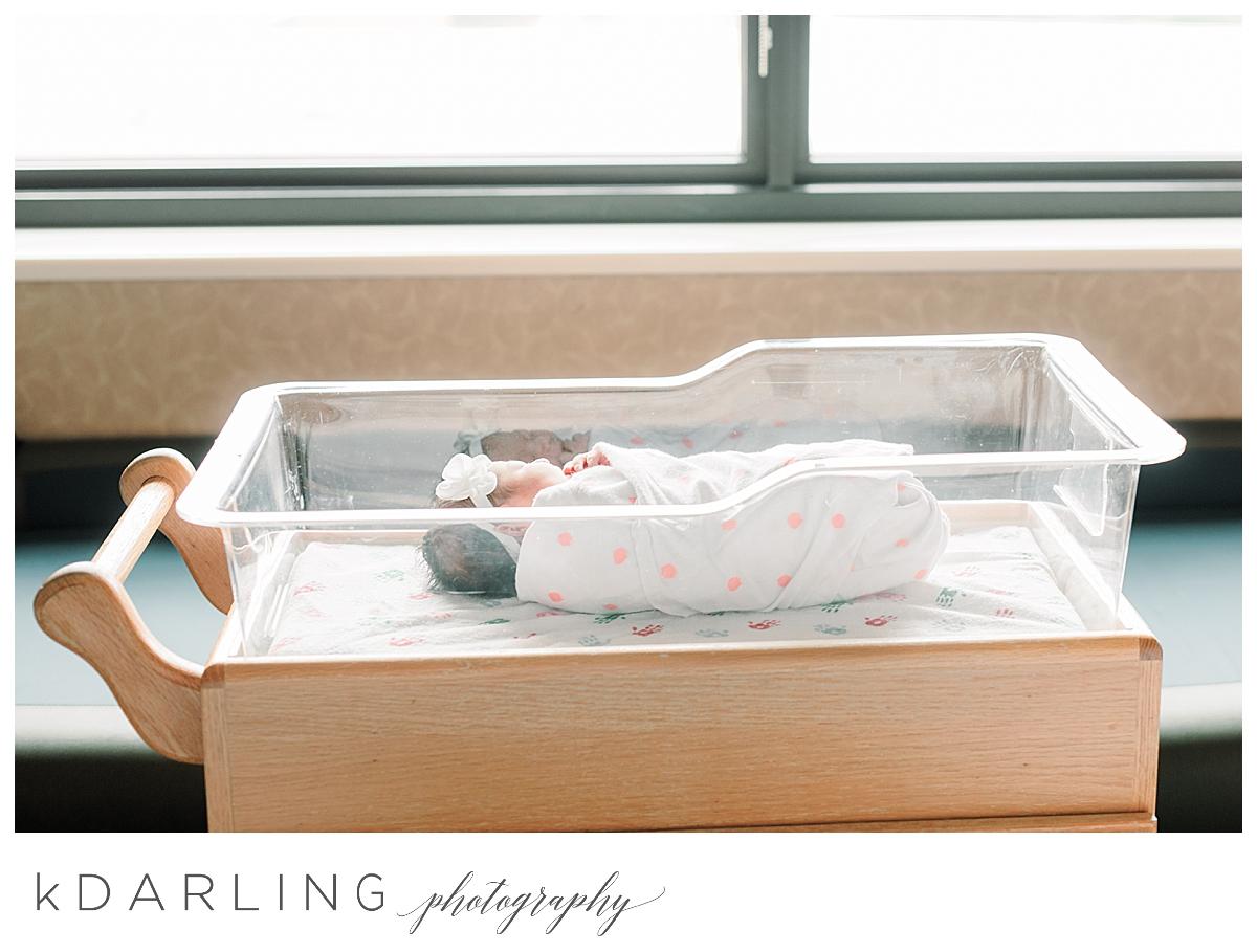 Fresh-48-hospital-newborn-photography-Carle-Urbana-Champaign-Central-IL-film_0047.jpg